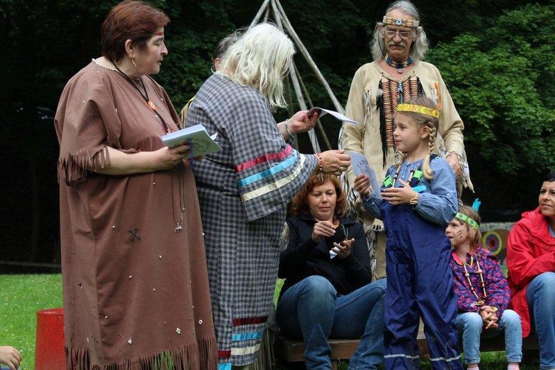 Abschlußfahrt der Vorschulkinder zu den Indianern nach Windhagen