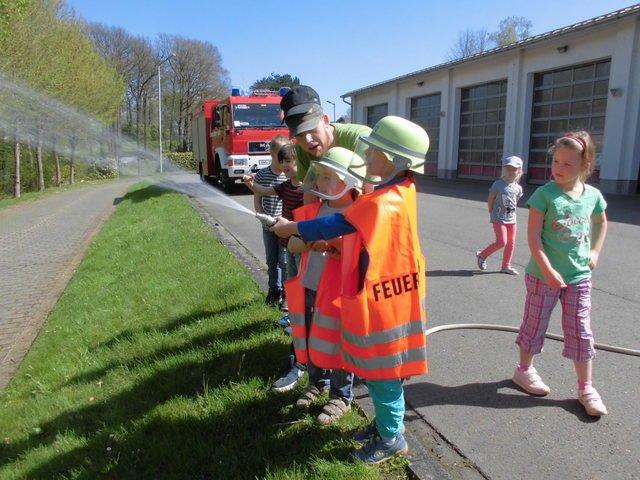 Unsere Vorschulkinder besuchten die Feuerwehr in Bielstein