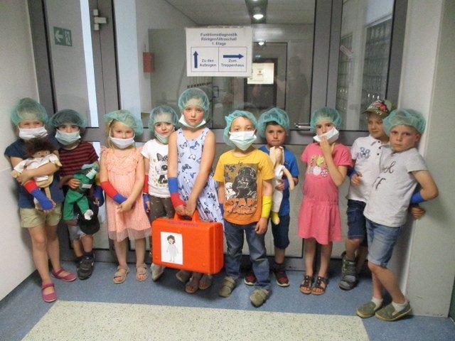 Vorschulkinder besuchen das Krankenhaus in Elngelskirchen