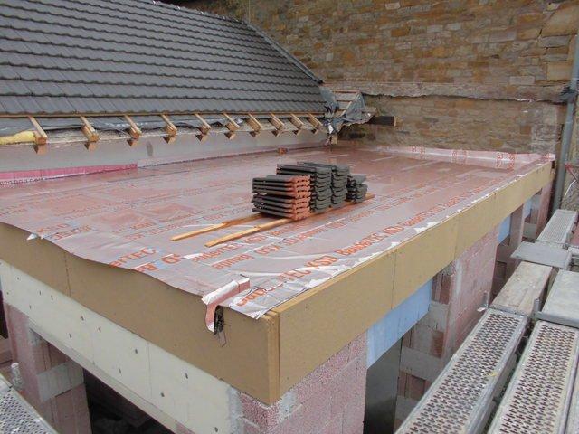 Umbau Tag 115 und schon steht die Unterkonstruktion für das zweite Dach